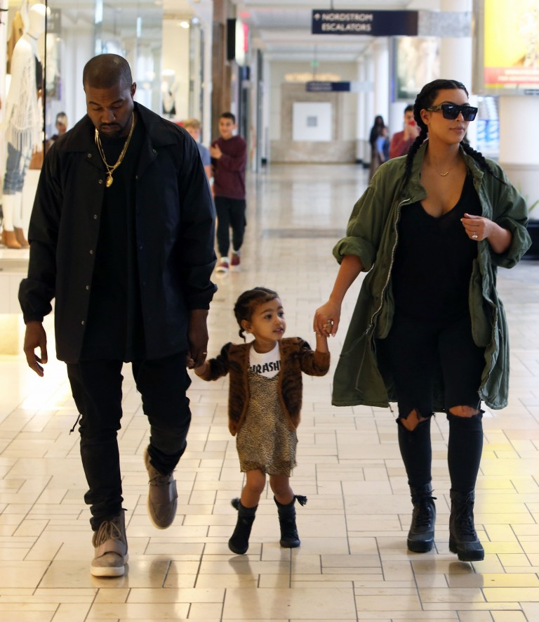 Kim-Kardashian-kanye-west-hepta_2325341-768x885
