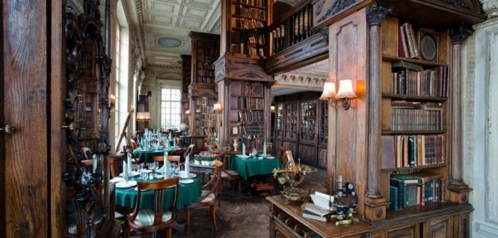 un-restaurant-construit-intr-o-biblioteca-este-cel-mai-frumos-loc-in-care-poti-lua-cina_3