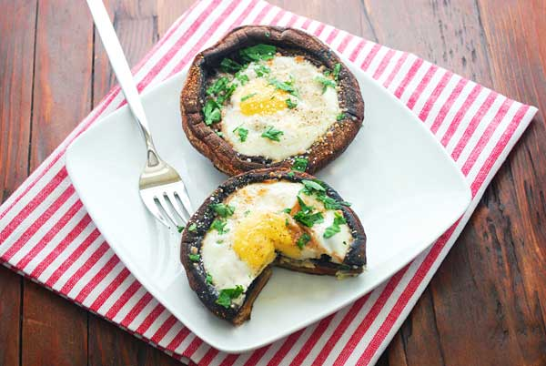 egg-baked-in-portobello