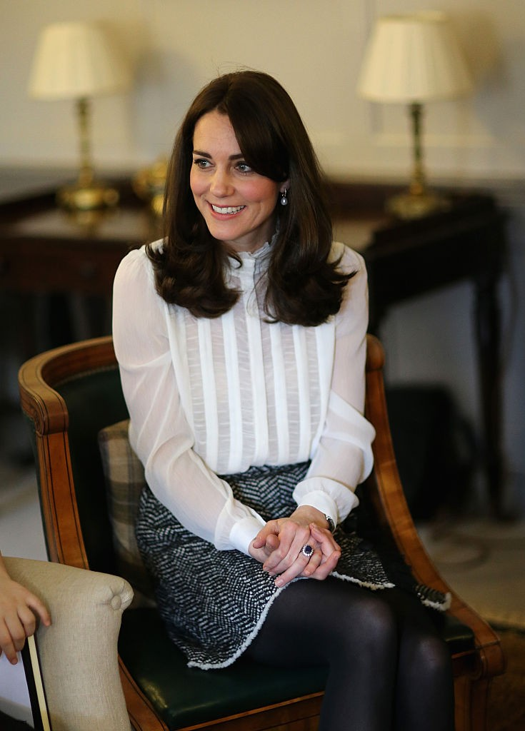 kate-middleton-GettyImages-510772786-735x1024