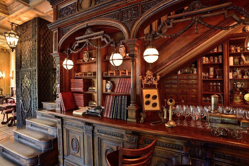 un-restaurant-construit-intr-o-biblioteca-este-cel-mai-frumos-loc-in-care-poti-lua-cina_6