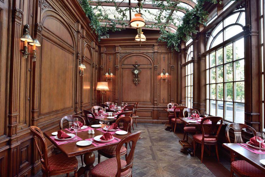 un-restaurant-construit-intr-o-biblioteca-este-cel-mai-frumos-loc-in-care-poti-lua-cina_7
